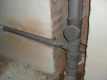 Разводка и замена канализационных труб