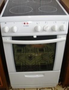 Установка электроплиты на кухне
