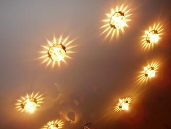 Монтаж точечных светильников